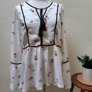 LC Lauren Conrad Floral Bell Sleeve Boho Top Sz M
